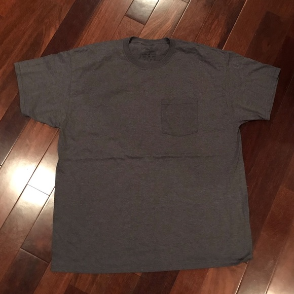 Fruit of the Loom Other - NWOT Men's dark gray pocket t-shirt size XL